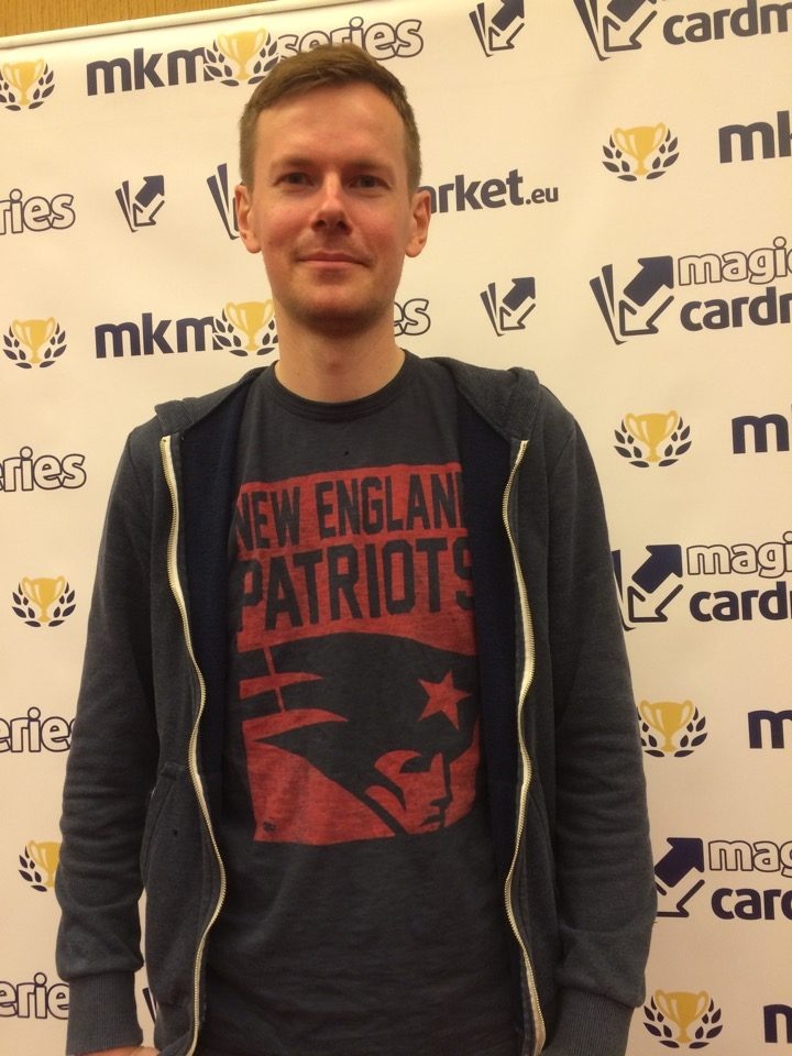 Mikael Linden advanced to the Top 8 of the Legacy main event of the MKM Series London 2016.