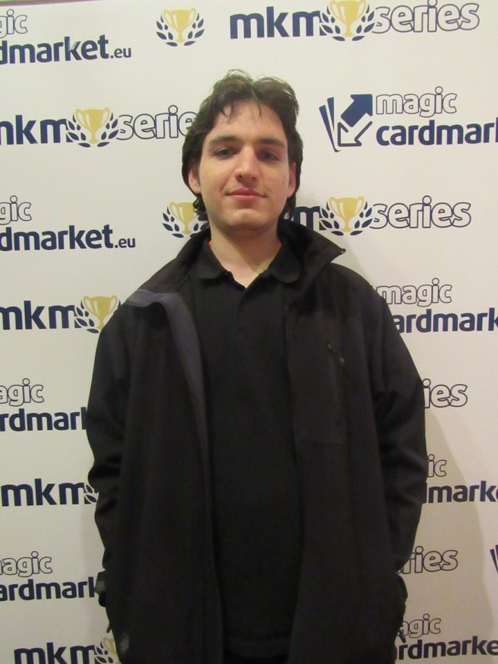 Leon Hendrian advanced to the Top 8 of the Standard main event of MKM Series Frankfurt in 2016!