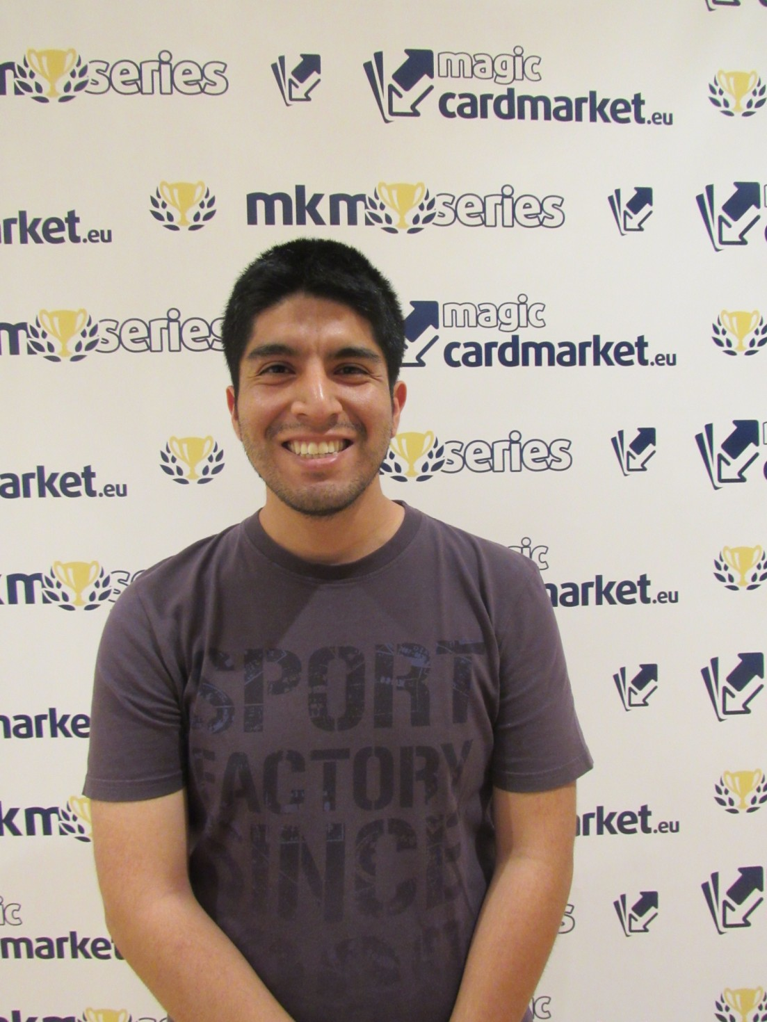 Carlos Victor Vásquez advanced to the Top 8 of our Standard main event at MKM Series Madrid 2016!