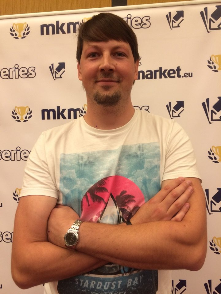 Arturas Simaitis advanced to the Top 8 of the Standard main event of the MKM Series London 2016. Find out more about him on his player profile.